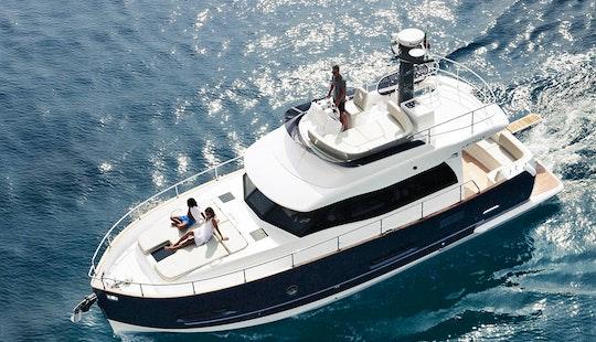 43' Azimut Motor Yacht Charter In Emporio, Greece