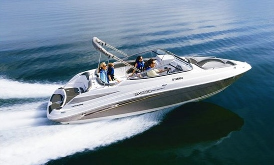 Deck boat rental in san diego getmyboat for Yamaha outboard service san diego