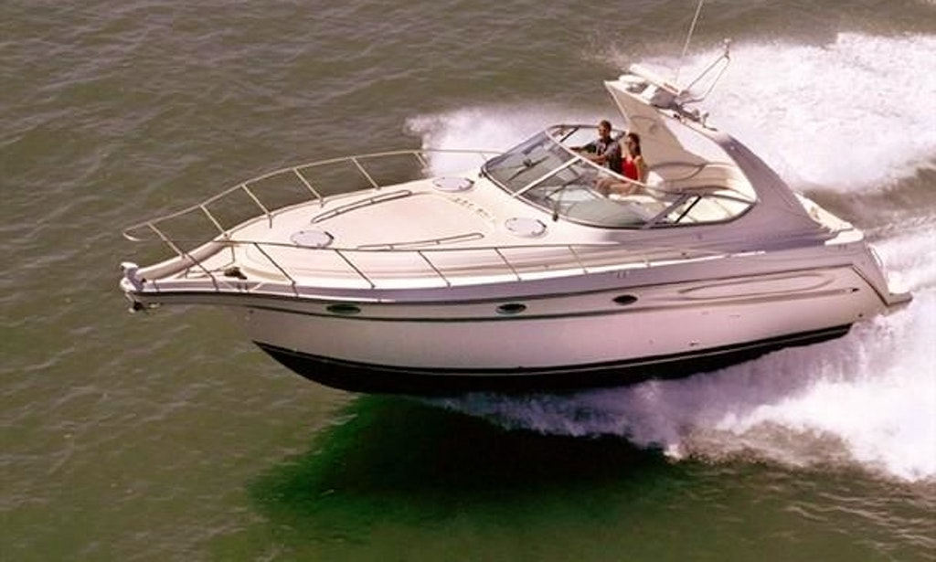 40 39 Motor Yacht Charter In Chicago Illinois Getmyboat