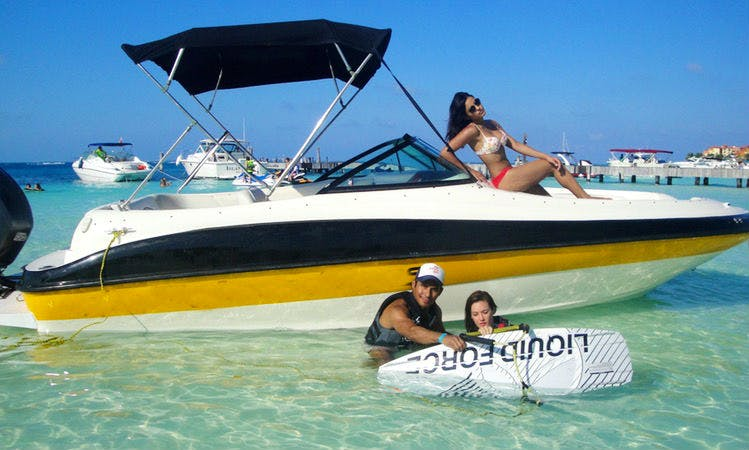 "Rent 24ft ""Sea Ray Sundeck"" Sea Ray Sundeck Bowrider In Cancún, Mexico"