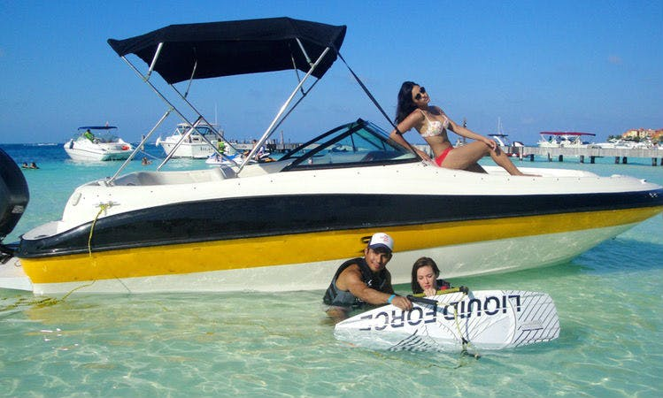 """Rent 24ft """"Sea Ray Sundeck"""" Sea Ray Sundeck Bowrider In Cancún, Mexico"""