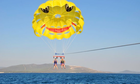 Enjoy Parasailing In İzmir, Turkey