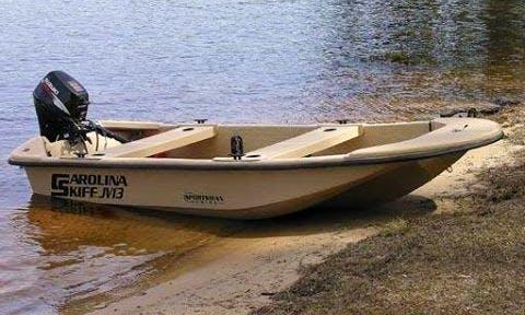 Rent a 15' Carolina Skiff Fishing Boat in Island Park, New York