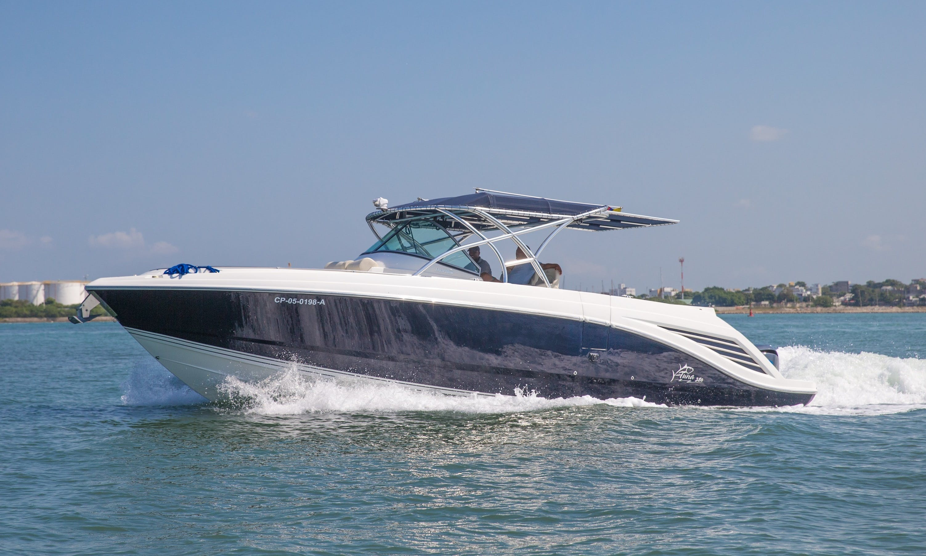 Speed Yacht Tuna 38ft - Island hopping in style