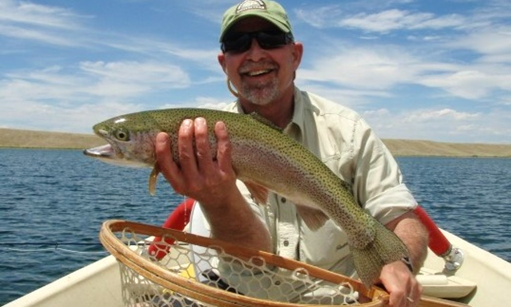 Guided lake float trip on power boat in breckenridge for Fly fishing breckenridge co