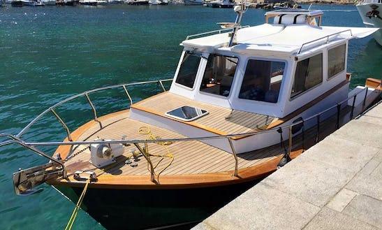 Charter 33' Motor Yacht In Porto Santo Stefano, Italy