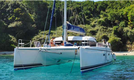Charter 39' Cruising Catamaran In Roma, Italy