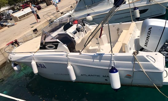 Center Console Rental For 8 Person In Makarska, Croatia