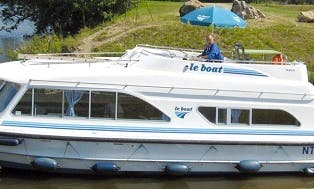 Charter 38' Tango Motor Yacht in Camargue, France
