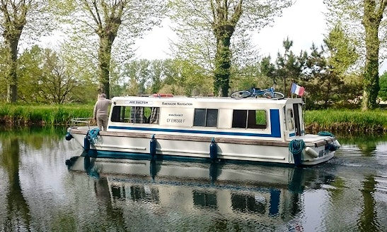 Charter 30' Espade 930 Canal Boat In Fourques-sur-garonne, France