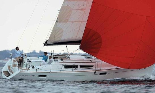 Charter 39' Jeanneau Sun Odyssey 39i Crusing Monohull In Nordborg, Denmark