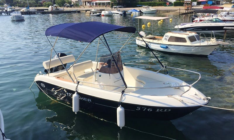 Rent 17' Fisher 17 Center Console in Supetarska Draga, Croatia