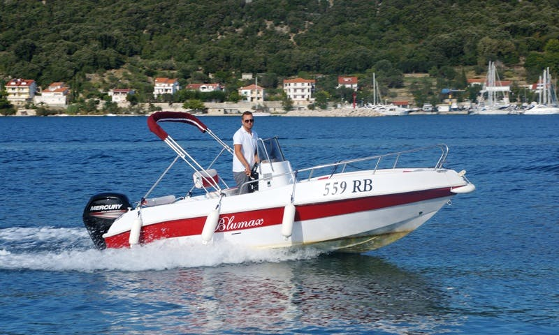 Rent 19' Tancredi Blumax Center Console in Supetarska Draga, Croatia