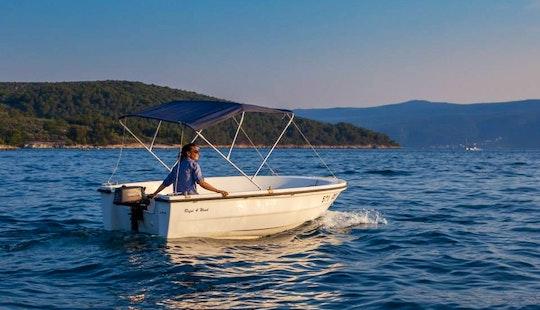 Rent 13' Reful 4 Wind Dinghy In Cres, Croatia
