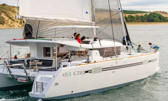 Charter 45' Lagoon Cruising Catamaran In Lisboa, Portugal