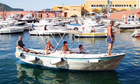 Rent 23' Gozzo Inboard Propulsion In Ponza, Italy