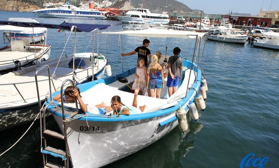 Rent 28' Gozzo Center Console In Ponza, Italy