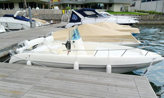 Rent 18' Open Center Console In Paratico, Lombardia