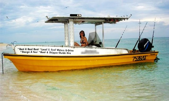 21' Center Console Boat Hire In Holloways Beach, Australia