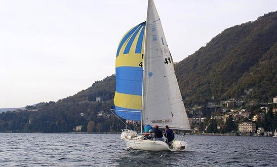 Charter 25' Jeanneau Daysailer In Moltrasio, Italy