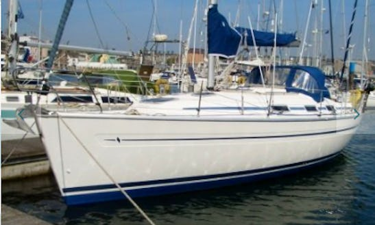 Charter 32' Ninette Bavaria Cruising Monohull In Workum, Netherlands
