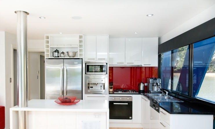 Rent Loud Whisper Houseboat in Paringa, Australia
