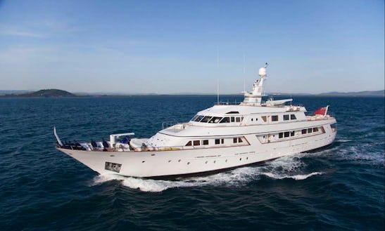 Charter 141ft Sirahmy Power Mega Yacht In Napoli, Italy