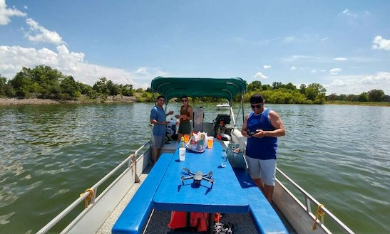Tracker Regency Pontoon For Rent In Hickory Creek, Texas