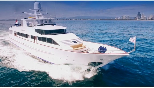Charter This Luxury Super Yacht Out Of Main Beach Queensland East Coast Australia
