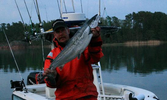 Enjoy Fishing In Lovisa, Finland On A Ceneter Console