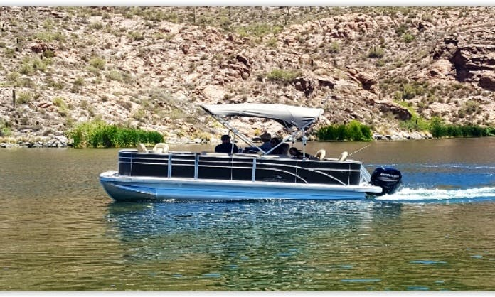 Beautiful 22ft Bennington SFX Series Pontoon Boat Rental In Canyon Lake, Arizona