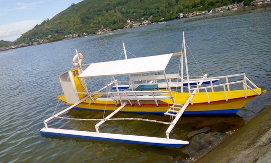Charter A Parawtraditional Boat While Visiting Bais City
