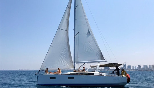 2014 Beneteau Oceanis Yacht For Rent In Tel Aviv-yafo, Israel