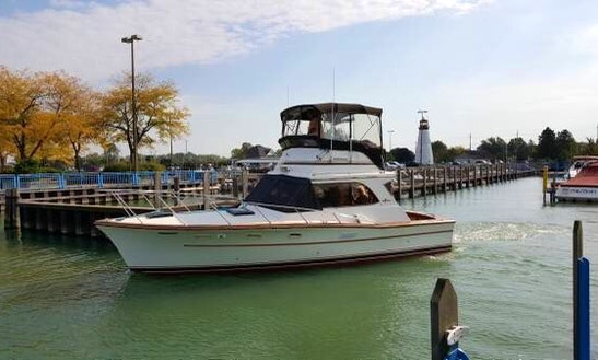 Motor Yacht For Rent In Grosse Pointe Woods