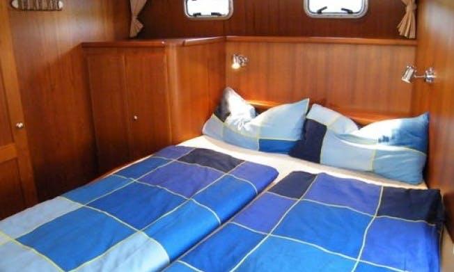 "Charter 35ft ""Bea"" Motor Yacht in Rheinsberg, Germany"