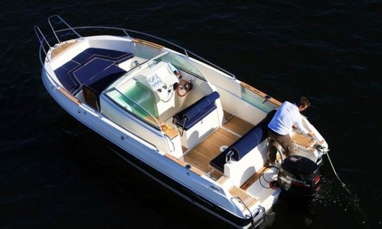 Rent 24' Ocenmaster 720 Wa Center Console In Berlin, Germany