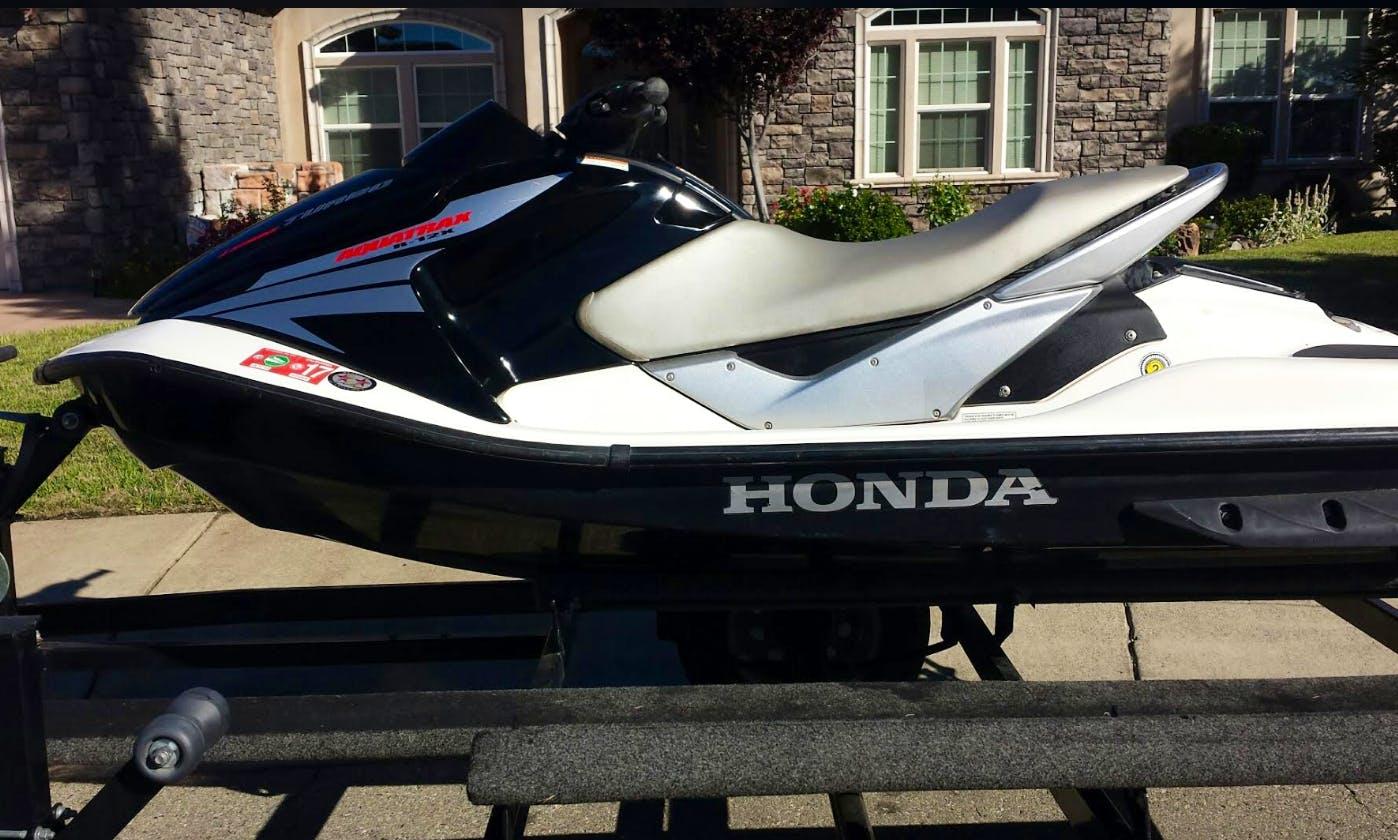 Lake Powell Jetski (Honda Aquatrax) Rental, Wahweap, Dry Storage, Fast, Fun, Reliable