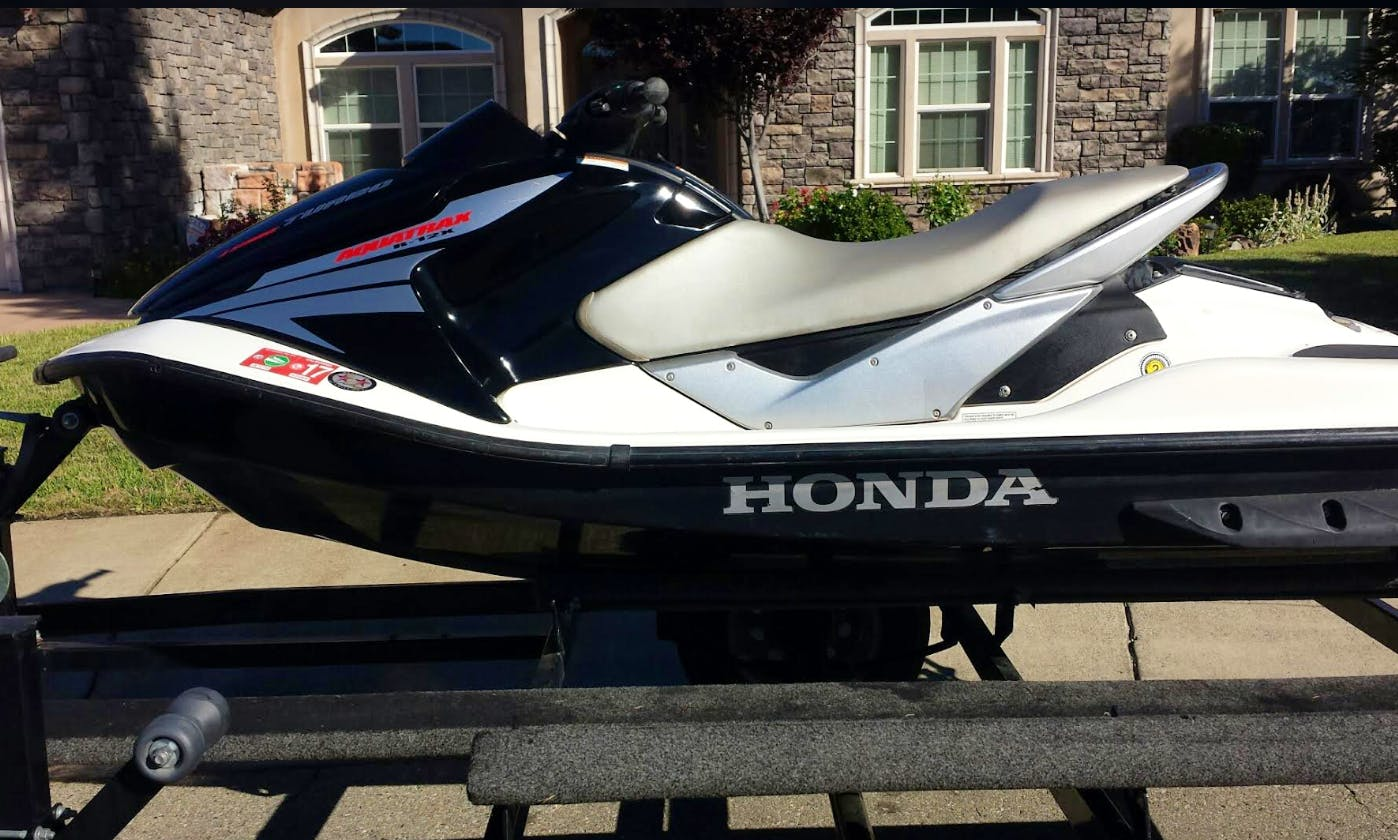 Lake Powell Jetski (Honda Aquatrax) Rental, Wahweap, Dry Storage, Fast, Fun, Reliable