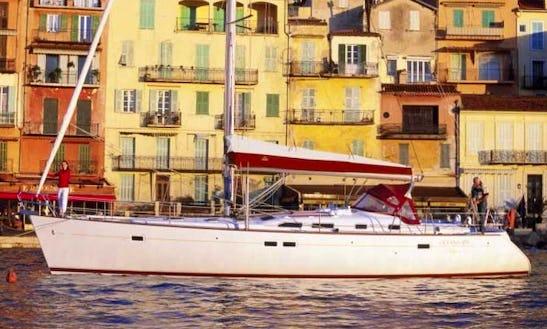 Charter 47' Beneteau Oceanis Clipper Cruising Monohull In Piombino, Toscana