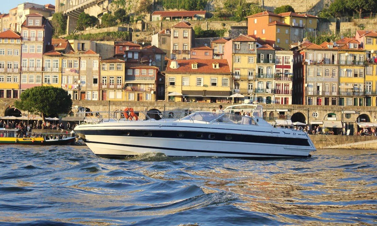 Charter 51' Italcraft Motor Yacht in Porto, Portugal