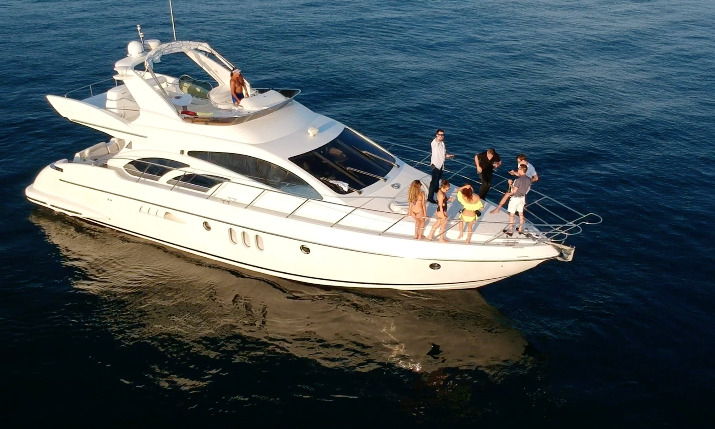 60' UNIQ Azimut Yacht for rent in Marina del Rey