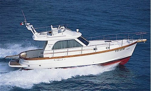 Charter 34' Sciallino Motor Yacht in Rio Marina, Toscana