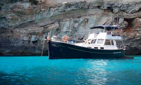 Motor Yacht Charters In Maó, Menorca