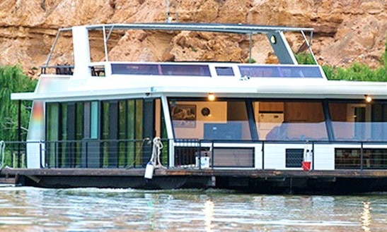 Charter Murray Sunset Houseboat In Paringa, Australia