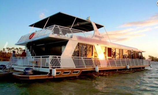 Murray Entertainer Houseboat Hire In Magill