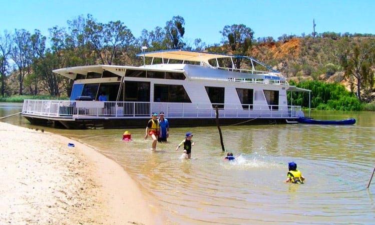Rent Diamond Houseboat in Paringa, Australia