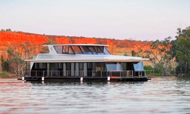 Rent Desert Rose Houseboat in Paringa, Australia