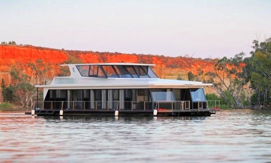 Rent Desert Rose Houseboat In Paringa, Australia