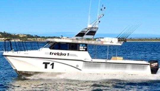 Hire 33' Power Catamaran In Noosaville, Australia