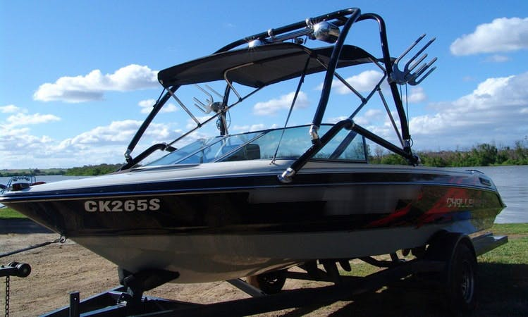 Ski Wakeboard Boat Hire in Ettrick
